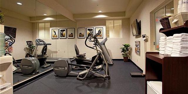 Crea tu gimnasio en casa iv remo y spinning blog dondeporte com - Decoracion de gimnasios ...
