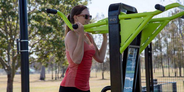 haciendo ejercicio en el parque