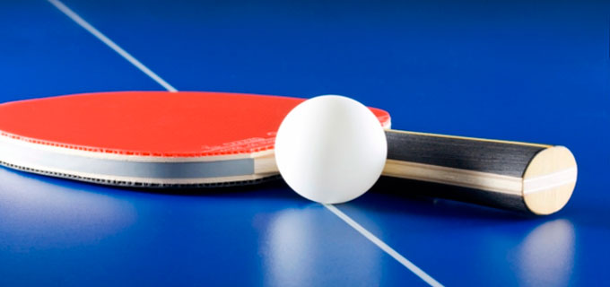 accesorios de una mesa de ping pong